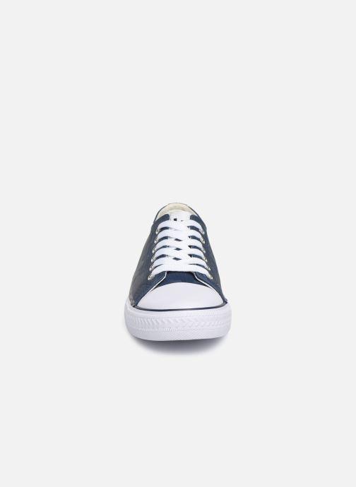 Sneaker Les P'tites Bombes ANGY blau schuhe getragen