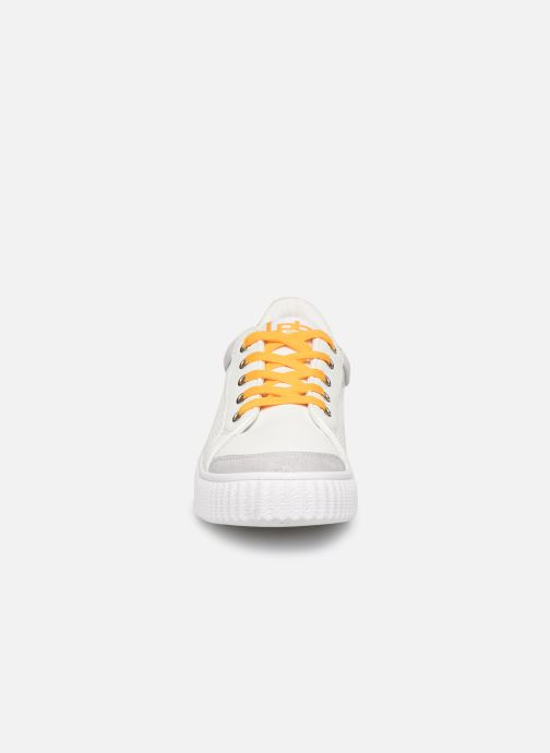 Trainers Les P'tites Bombes ANJA White model view