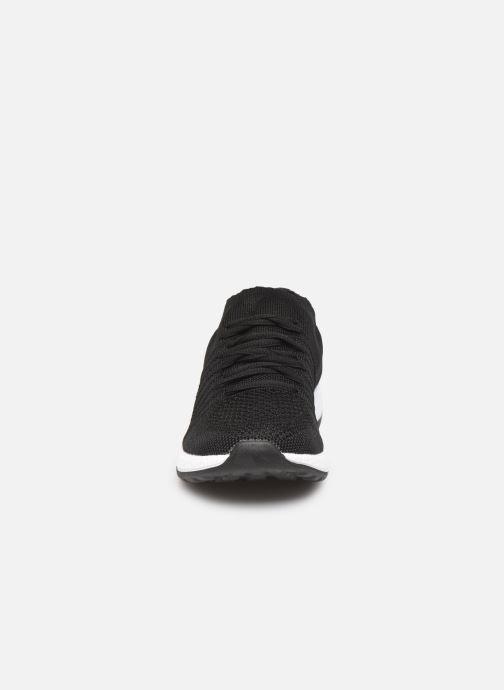 Baskets Les P'tites Bombes BETTY Noir vue portées chaussures