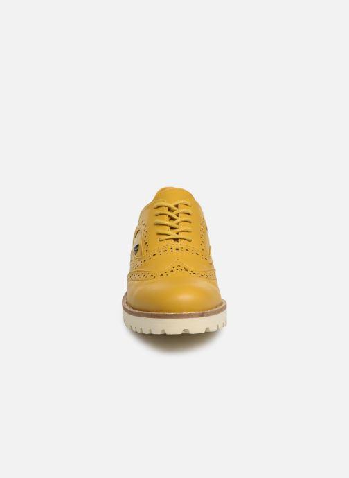 Chaussures à lacets Les P'tites Bombes GISELE Jaune vue portées chaussures