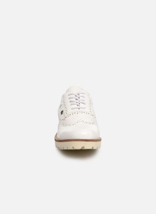 Chaussures à lacets Les P'tites Bombes GISELE Blanc vue portées chaussures