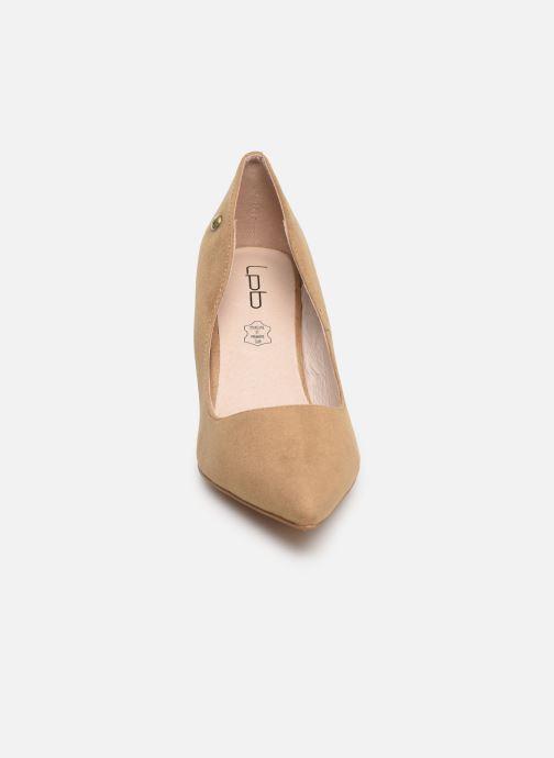 Zapatos de tacón Les P'tites Bombes ISABELLE Beige vista del modelo