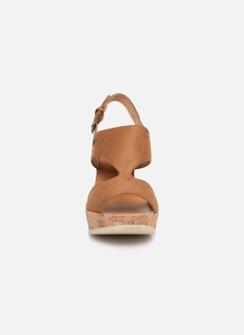 Sandales et nu-pieds Les P'tites Bombes JACINTHE Marron vue portées chaussures