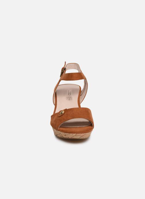 Sandales et nu-pieds Les P'tites Bombes LYLOU Marron vue portées chaussures