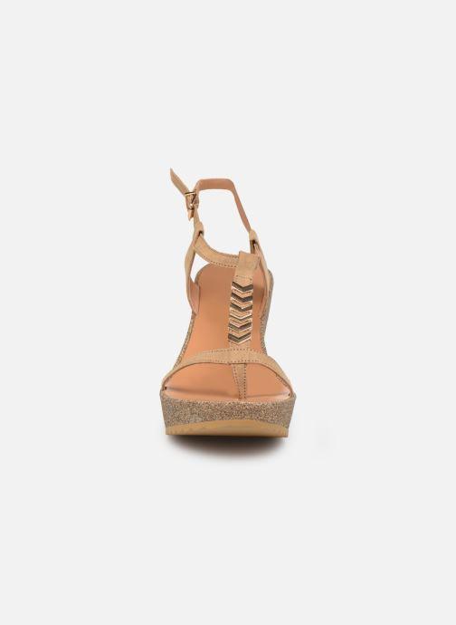 Sandals Les P'tites Bombes MAEVA Beige model view