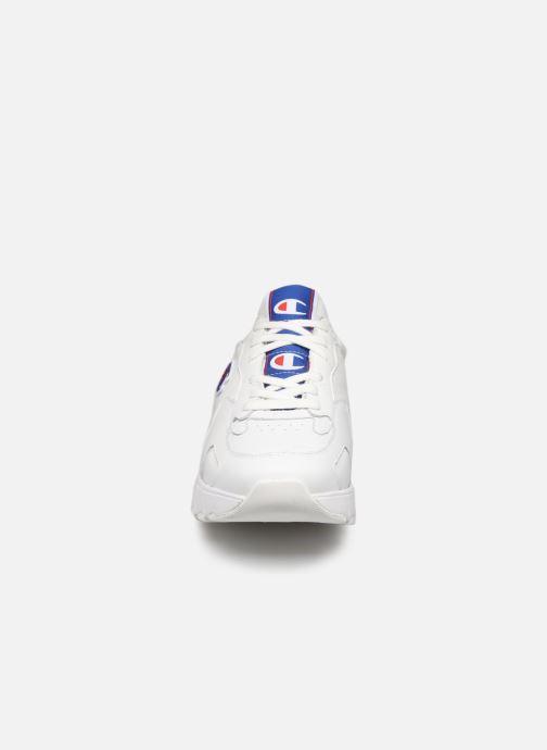 Baskets Champion Cwa-1 Leather M Blanc vue portées chaussures
