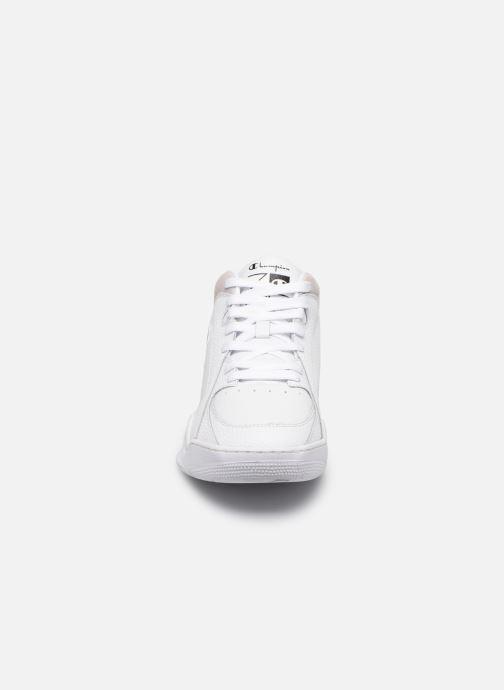 Baskets Champion Zone Mid M Blanc vue portées chaussures