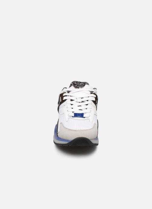 Sneakers Champion Pro Premium Bianco modello indossato