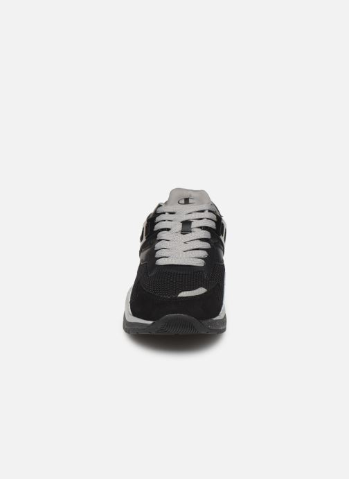 Baskets Champion Pro Noir vue portées chaussures