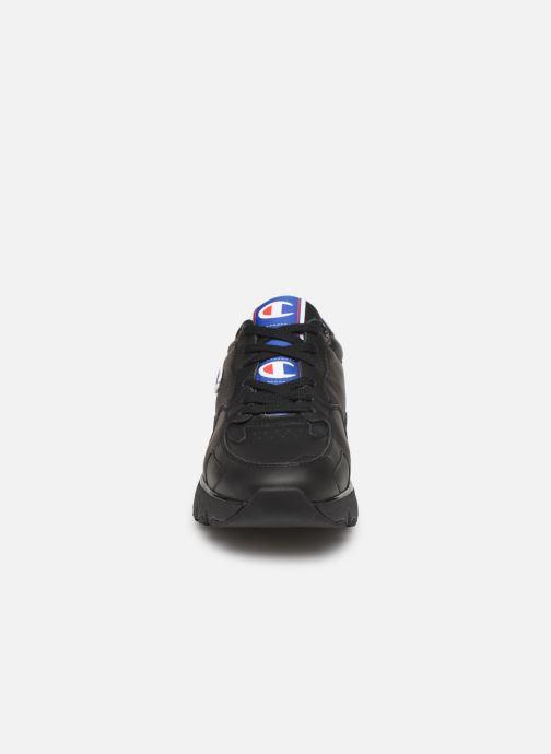 Baskets Champion Low Cut Shoe CWA-1 Leather Noir vue portées chaussures