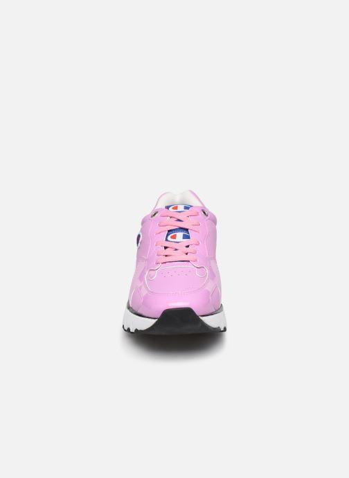 Baskets Champion Cwa-1 Patent Rose vue portées chaussures