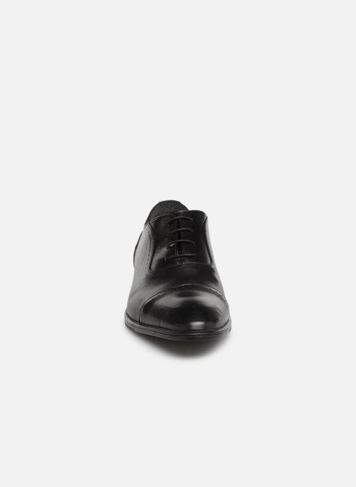 Snörade skor Marvin&Co Ritello Svart bild av skorna på