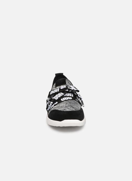 Sneakers UGG Seaway Sneaker K Nero modello indossato