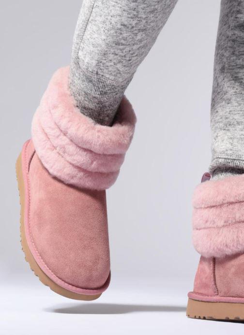 Bottines et boots UGG Fluff Mini Quilted Rose vue bas / vue portée sac
