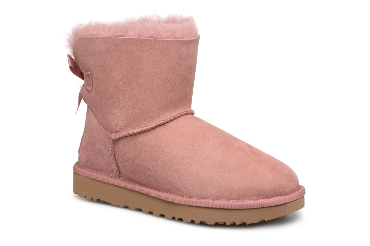 Bottines et boots UGG Mini Bailey Bow II Rose vue détail/paire
