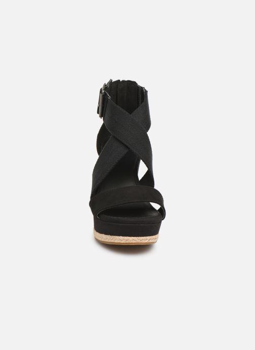 Sandales et nu-pieds UGG Calla Noir vue portées chaussures