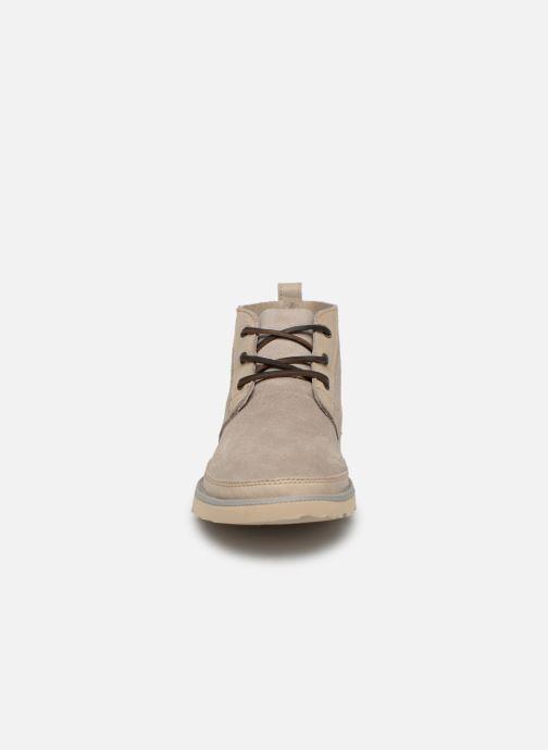 Bottines et boots UGG Neumel Unlined Leather Beige vue portées chaussures