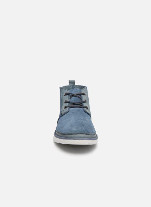 Botines  UGG Neumel Unlined Leather Azul vista del modelo
