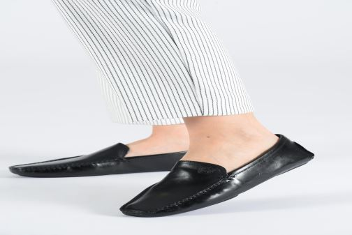 Loafers Melvin & Hamilton HOME DONNA Black view from underneath / model view