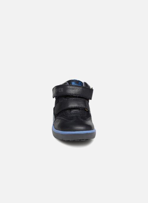 Sneakers Camper Pelotas Persil FW Azzurro modello indossato