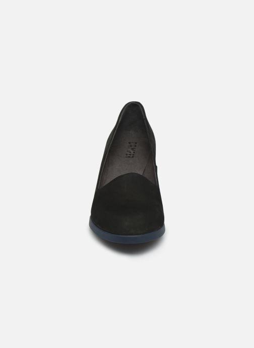 Zapatos de tacón Camper Kara K200557 Negro vista del modelo