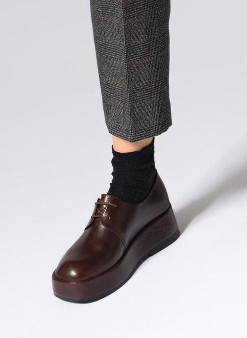 Chaussures à lacets Camper Wilma K200496 Marron vue bas / vue portée sac