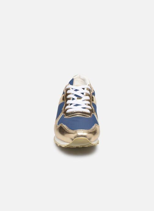 Baskets Pepe jeans Verona W Greek 2 Bleu vue portées chaussures