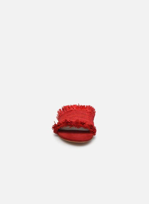 Zoccoli Charlotte Woivré Suzy Rosso modello indossato