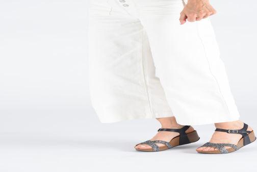 Sandalen Plakton So Final grau ansicht von unten / tasche getragen