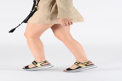 Sandals Pepe jeans Fuji Metal Bronze and Gold view from underneath / model view