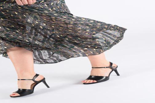 Sandales et nu-pieds Free Lance Hydra 7 Buckle Sandal Beige vue bas / vue portée sac