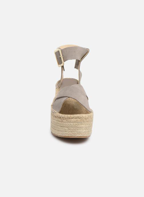 Sandales et nu-pieds Alohas Sandals Kailua Gris vue portées chaussures