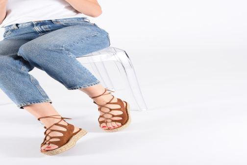 Sandales et nu-pieds Alohas Sandals Gladiator Marron vue bas / vue portée sac