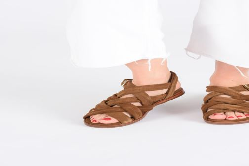 Sandales et nu-pieds Anonymous Copenhagen Betty Marron vue bas / vue portée sac