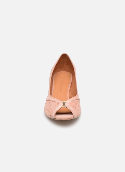 Zapatos de tacón Anonymous Copenhagen Tiffany metallic Rosa vista del modelo
