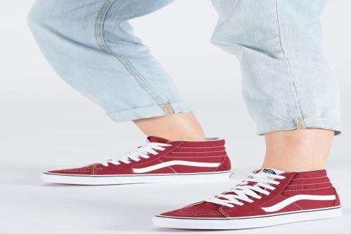 Sneaker Vans SK8-Hi W weinrot ansicht von unten / tasche getragen