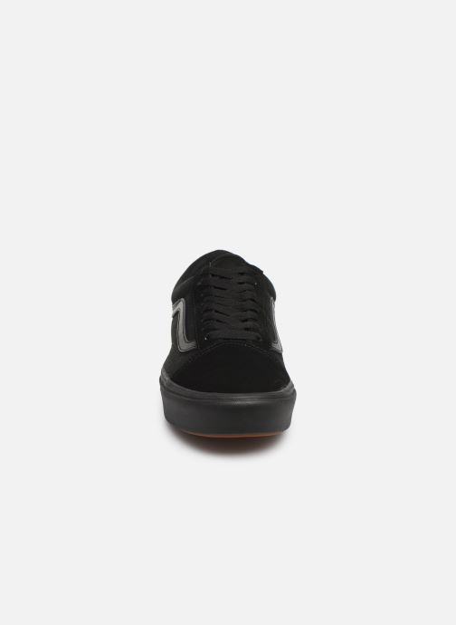 Trainers Vans ComfyCush Old Skool Black model view