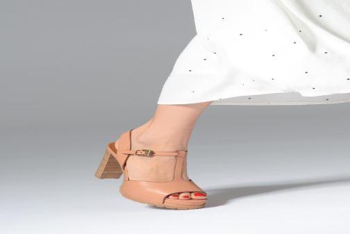 Sandales et nu-pieds See by Chloé Brooke Marron vue bas / vue portée sac