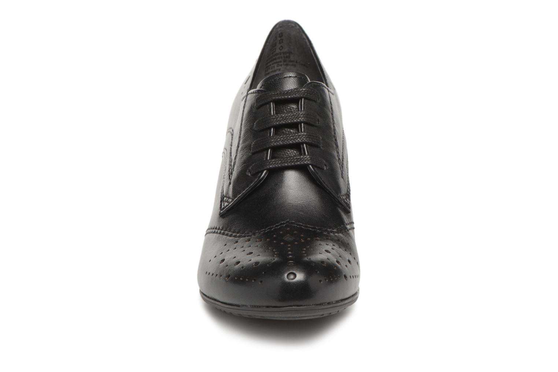 Scarpe con lacci Be Natural 23300 Nero modello indossato