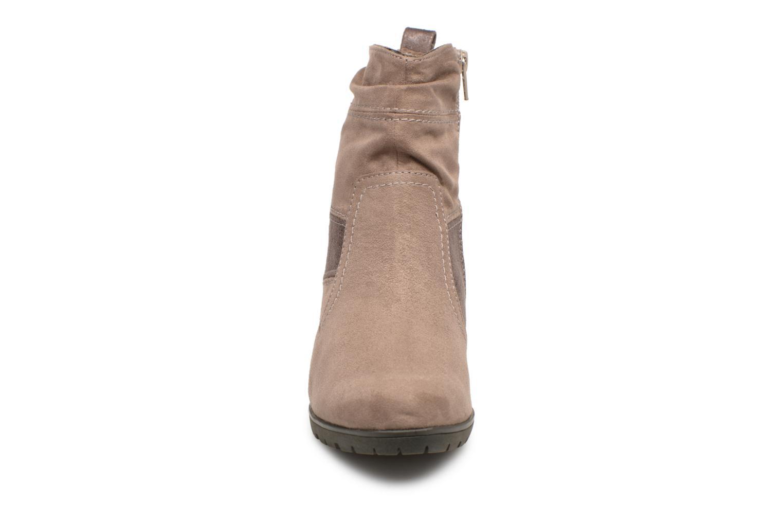 Stivaletti e tronchetti Jana shoes Lander 25374 Beige modello indossato