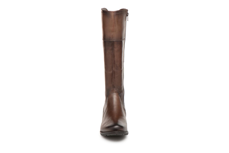 Stivali Jana shoes Dumas 25602 Marrone modello indossato
