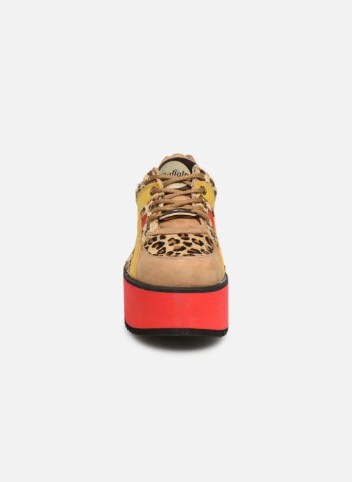 Baskets Buffalo 1300-6 Marron vue portées chaussures