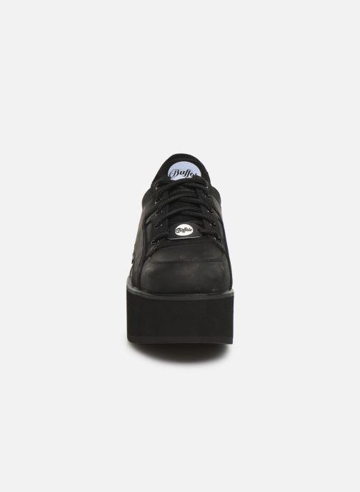 Sneaker Buffalo 1330-6 schwarz schuhe getragen