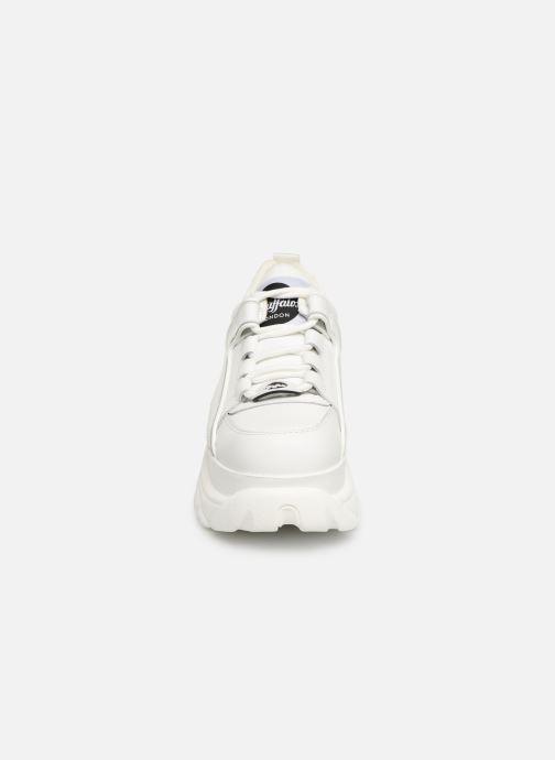 Sneakers Buffalo 1339-14 Bianco modello indossato