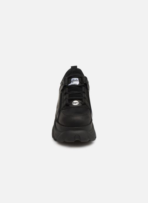 Sneakers Buffalo 1339-14 Nero modello indossato