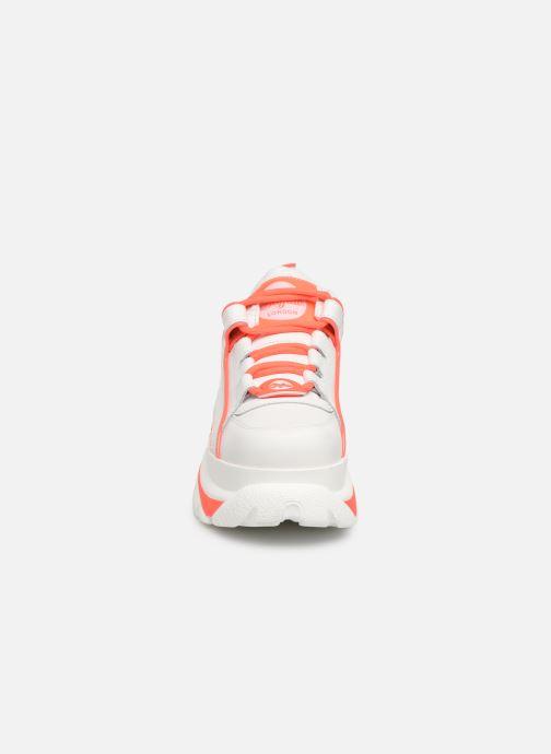 Baskets Buffalo 1339-14 Blanc vue portées chaussures