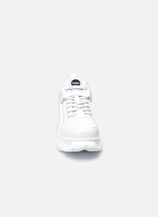 Sneakers Buffalo CORIN Bianco modello indossato