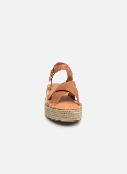 Alpargatas I Love Shoes Becroisa Marrón vista del modelo