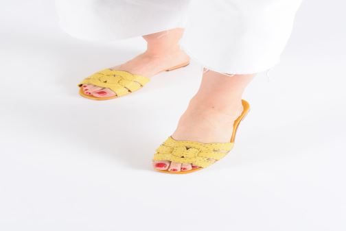 Mules & clogs Melvin & Hamilton Elodie 13 Yellow view from underneath / model view