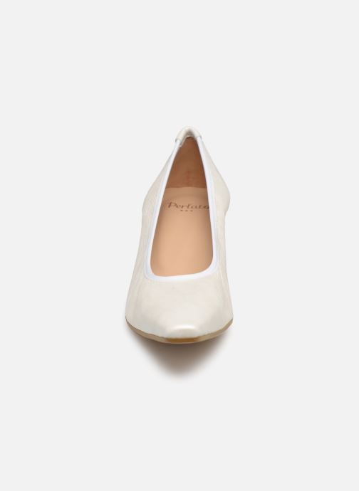 Décolleté Perlato 10367 Bianco modello indossato